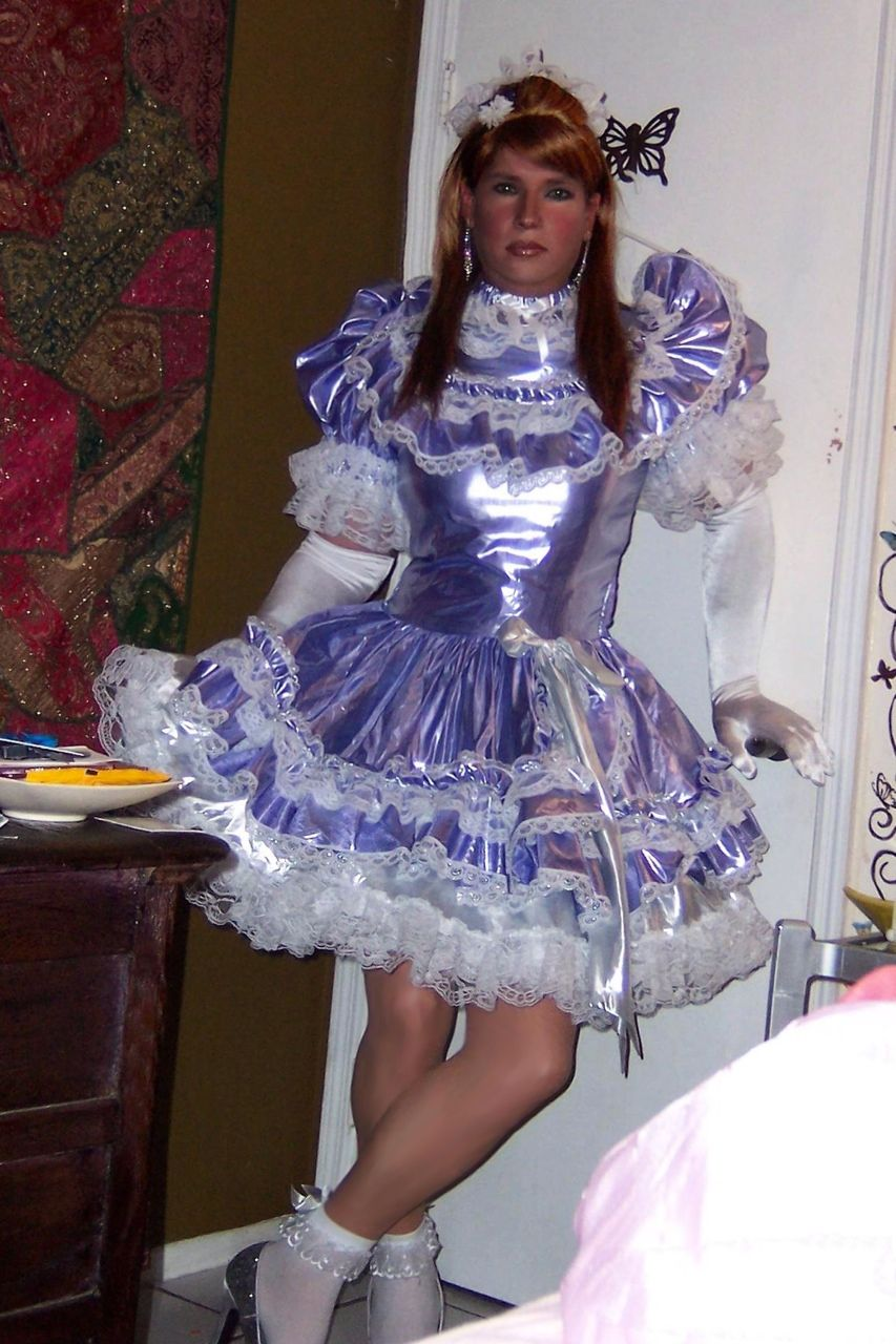 Frilly Sissy Tumblr with malemaid2slave: sissy-caroline: is there a prettier sissy dress