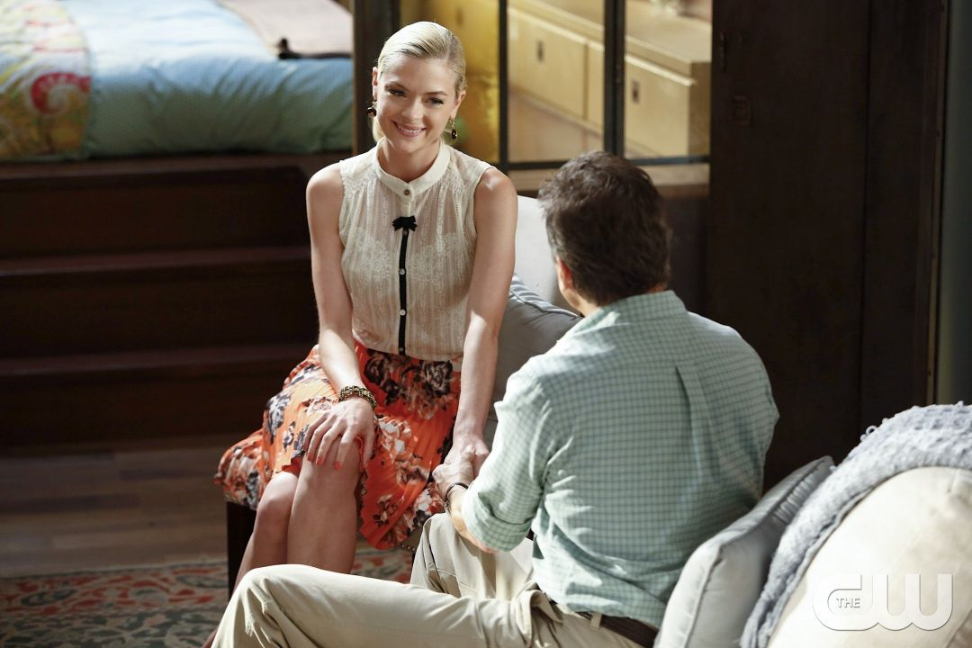 "Hart of Dixie -- ""Suspicious Minds"" -- Image: HA204b_0489b.jpg �%u20AC%u201D Pictured: Jaime King as Lemon -- Photo: Greg Gayne/The CW -- � 2012 The CW Network, LLC. All rights reserved. pn"