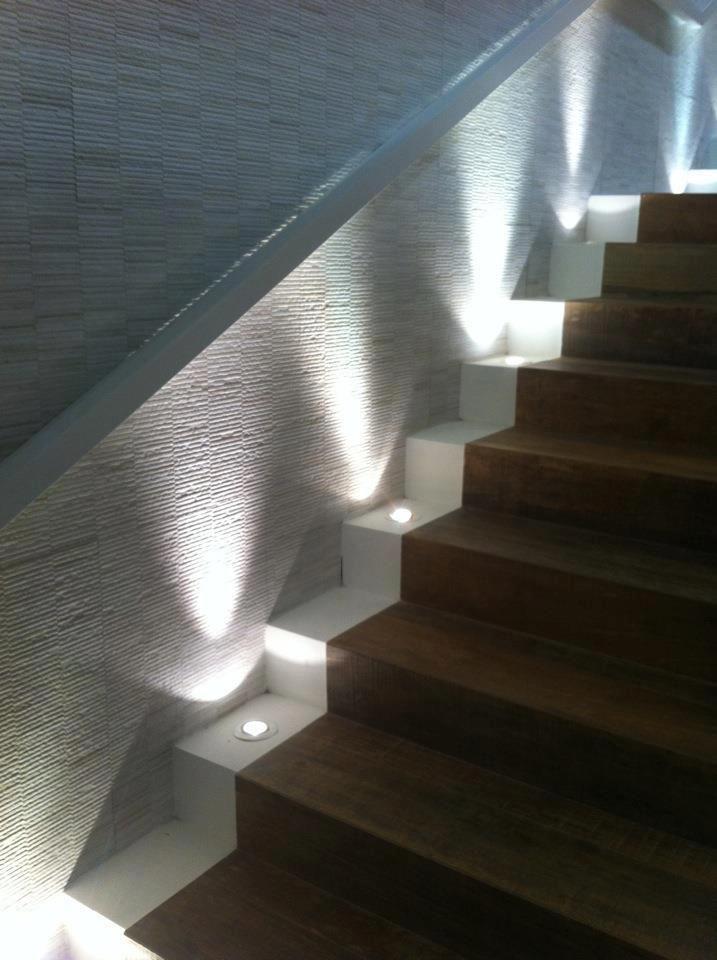 Pin van sixlight design lighting op stairs can be pretty for Houten trap buiten