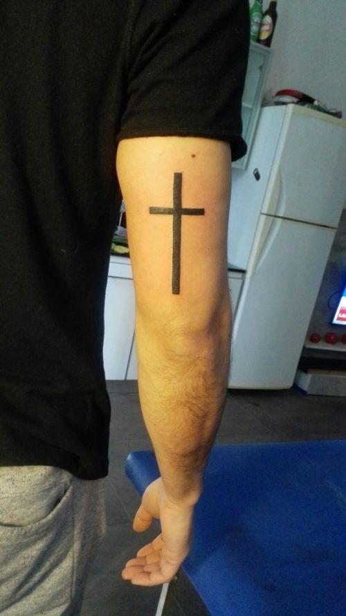 Tatuajes De Cruz Disenos Ideas Imagenes Y Significados Tatuaje De Cruz Brazos Tatuados Tatuaje Religioso