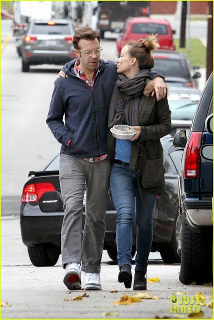 Celeb Diary Olivia Wilde Jason Sudeikis In Los Feliz Sneakers Outfit Men Jason Sudeikis Olivia Wilde