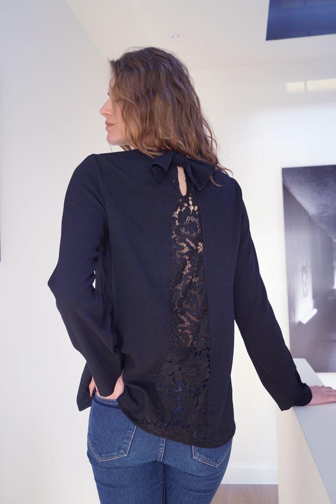 Blouse Eugénie www.lescomptoirsd... #lescomptoirsdorta #eshop #blouse #eugenie #black #spring #collection #details #transparent #dentelle #crush