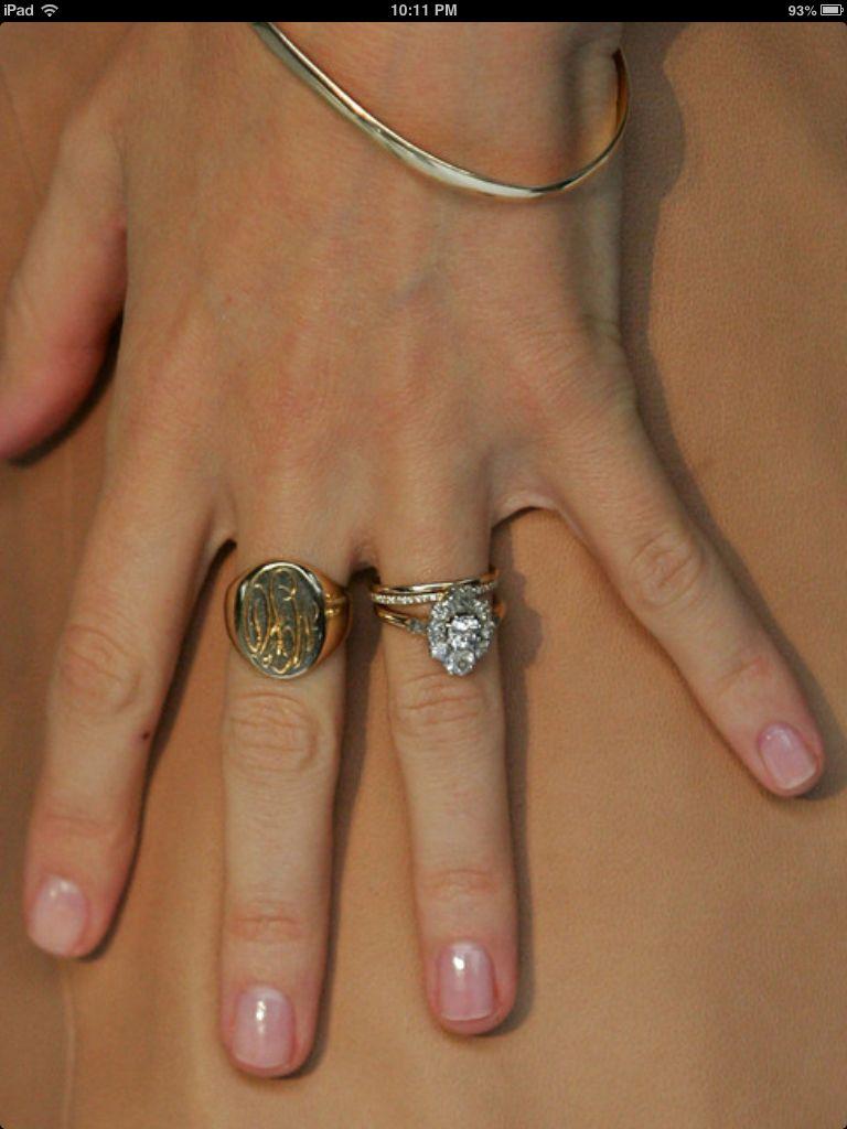 Most beautiful wedding ring!!!! Miranda kerr