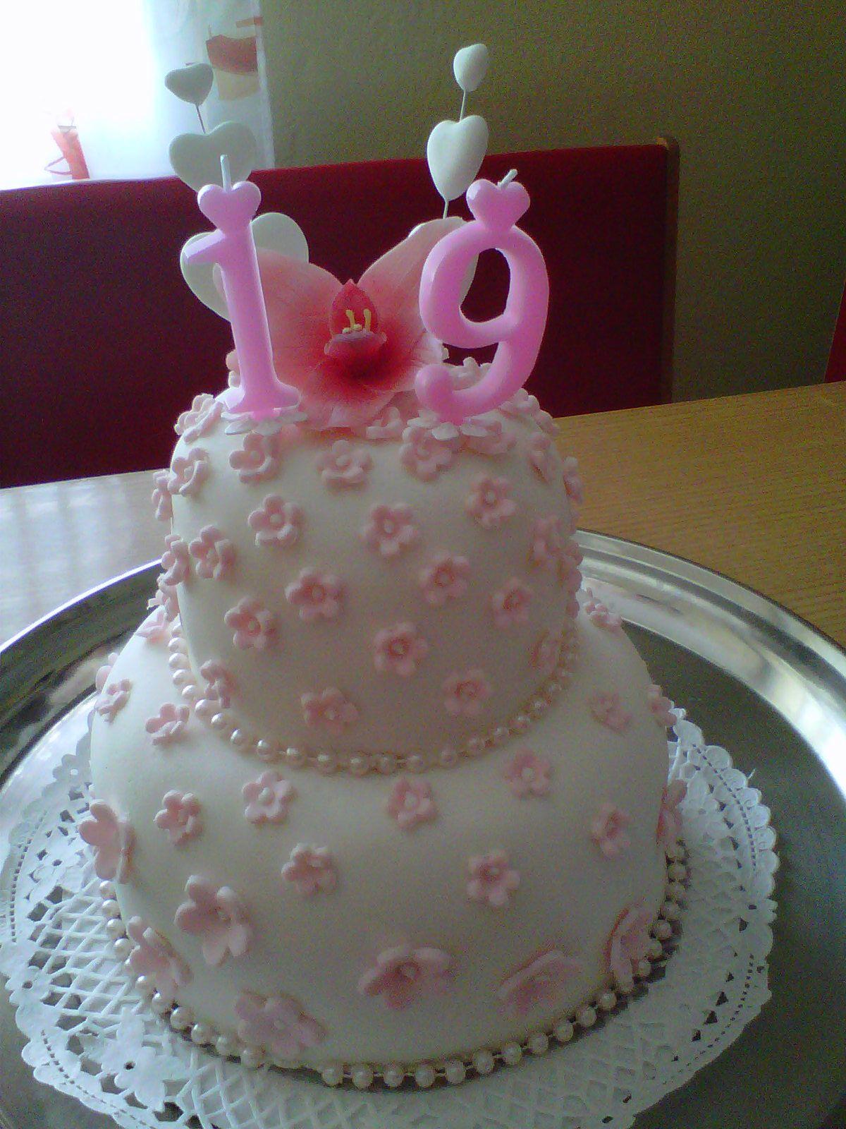 my 19. birthday cake