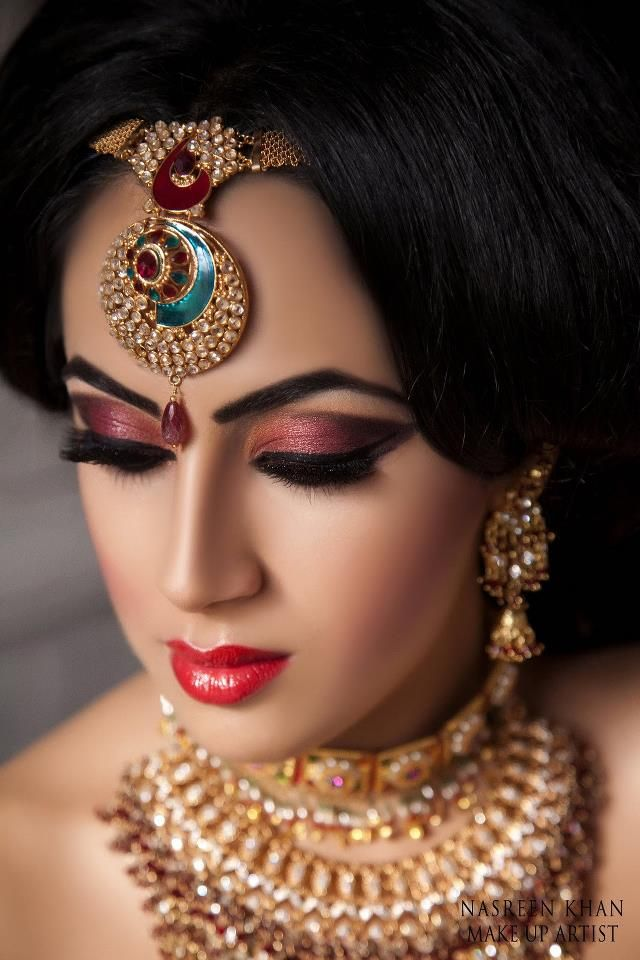 very pretty look. The makeup is flawless and the jewelry is gorgeous.