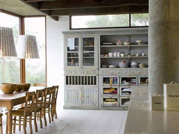 aparador de cocina estilo antiguo