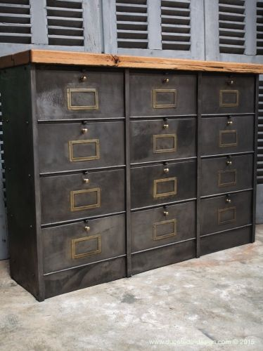 ancien meuble console 12 casiers industriel a clapet roneo 1940 plateau chene massif casier. Black Bedroom Furniture Sets. Home Design Ideas