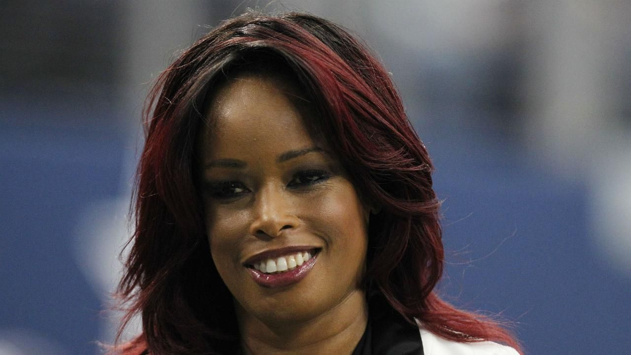 Pam Oliver out as Fox's No. 1 NFL sideline reporter, Erin