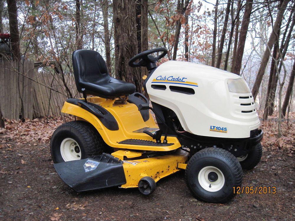 CUB CADET LT1045 Riding Lawn Tractor + Hydrostatic Drive & 46