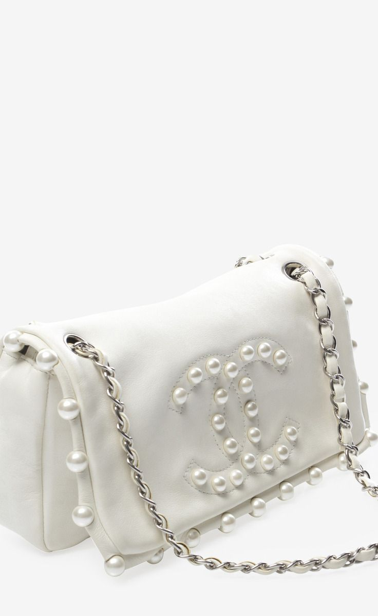 8a5fb0c8b15b Chanel ~ Limited Edition Pearl Flap Bag | My Style | Bags, Chanel ...