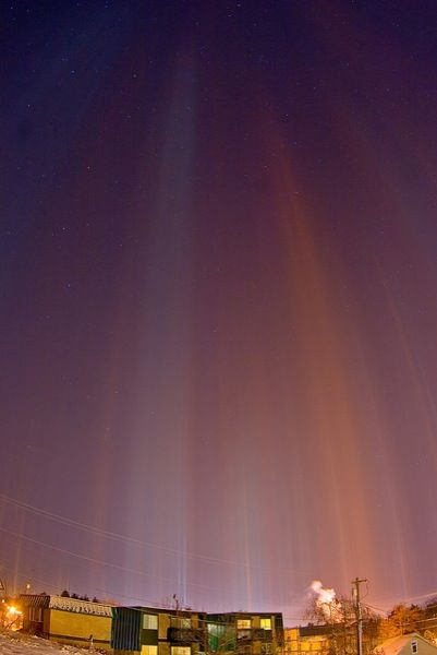 Watch Light Pillars Ignite The Night Sky Natural Phenomena