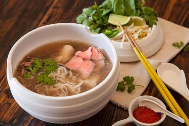 Scroll down for video and a recipe.  Vietnamese Pho Pressure Cooker – Paleo Friendly ~ http://steamykitchen.com
