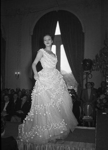 christian dior, 1952 | vestidos de novia | christian dior, vestidos
