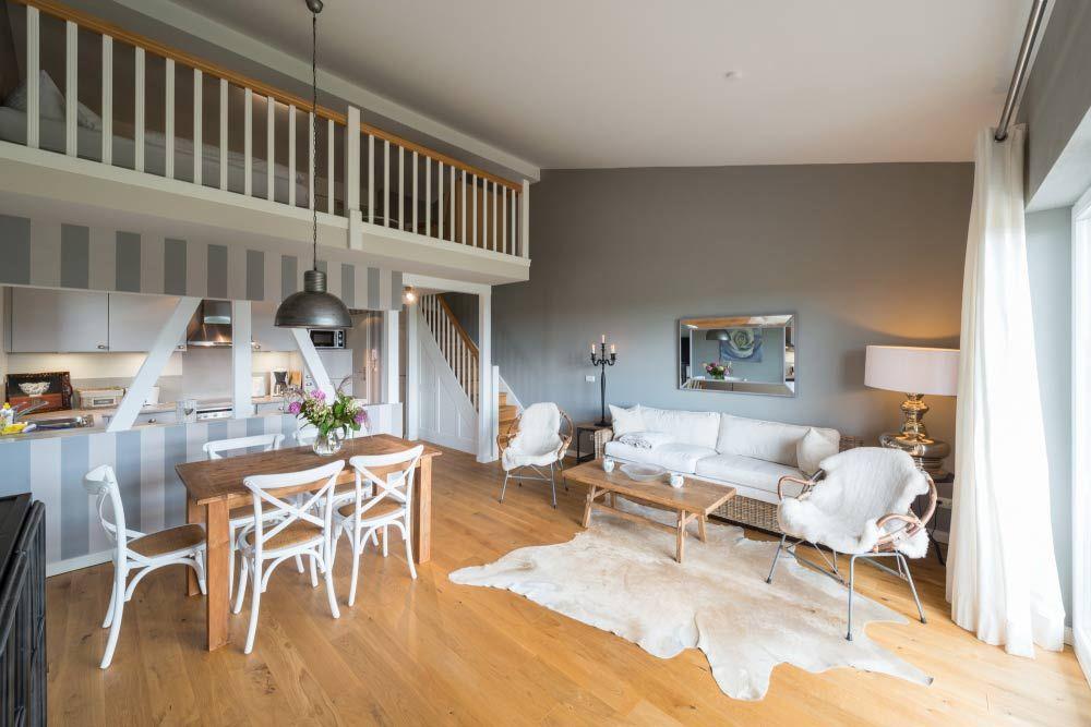Ca. 60 m², 2 Schlafzimmer, vollausgestattete Küchenzeile