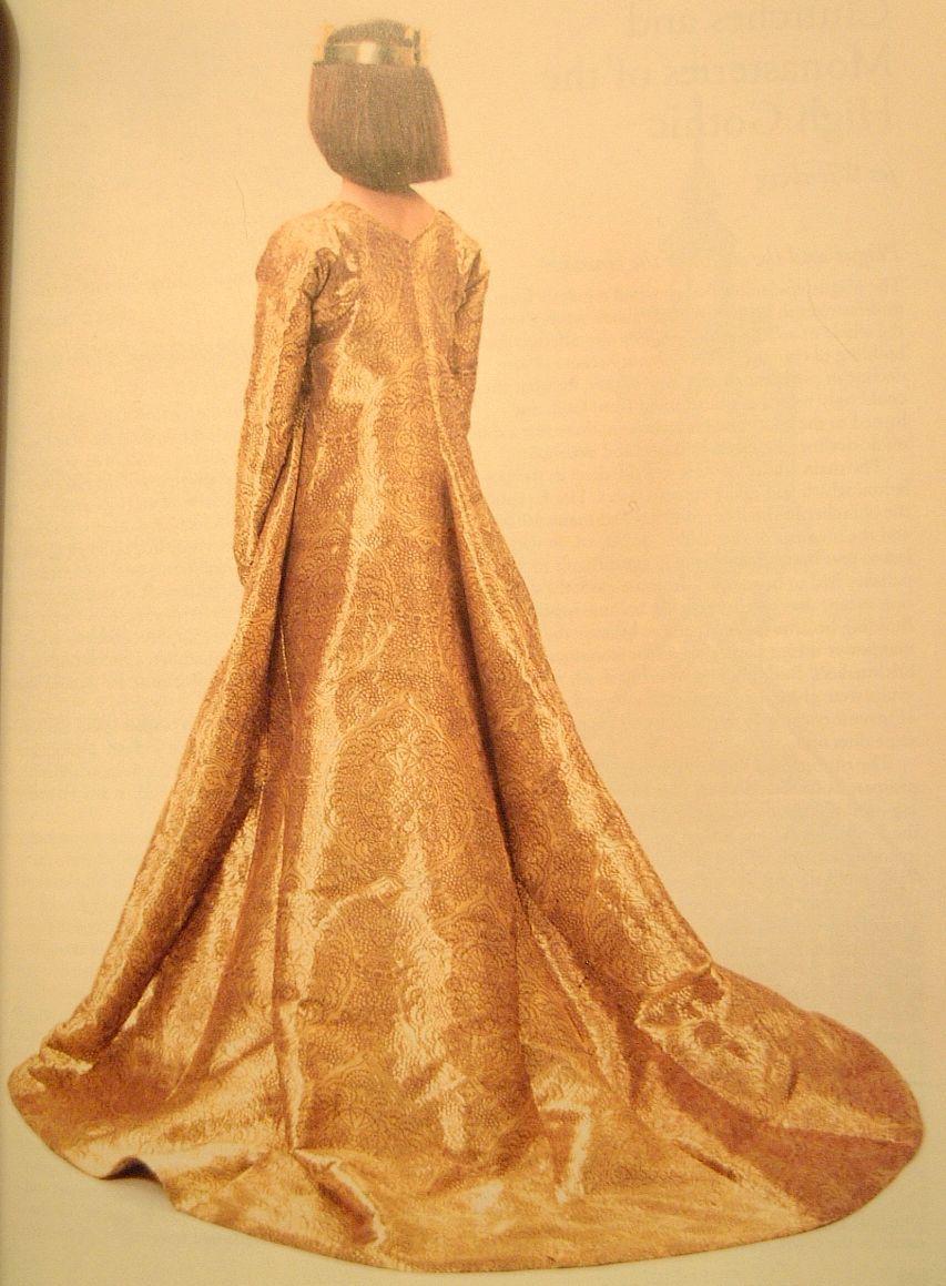 The golden gown of queen margaret queen margaret i golden gown