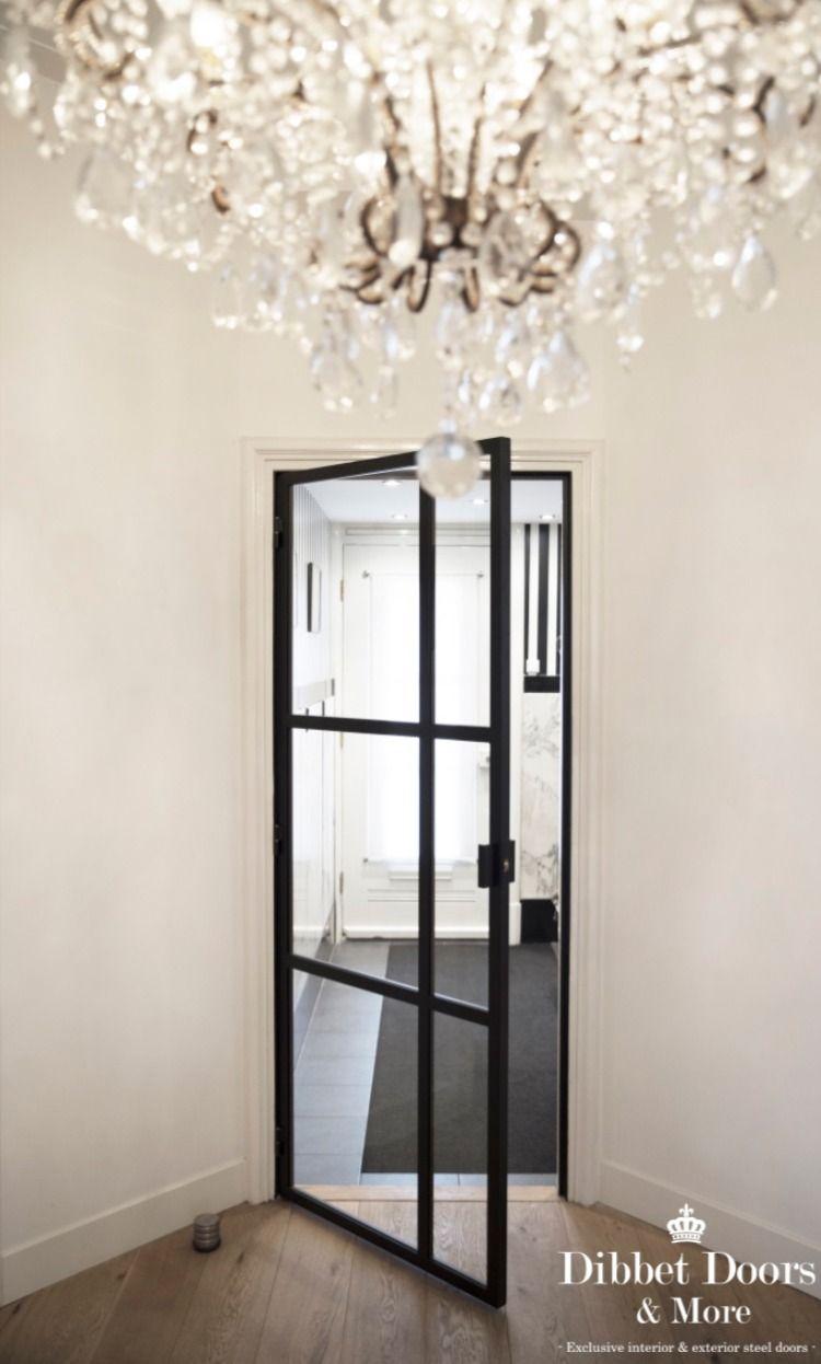Classic steel hinge door