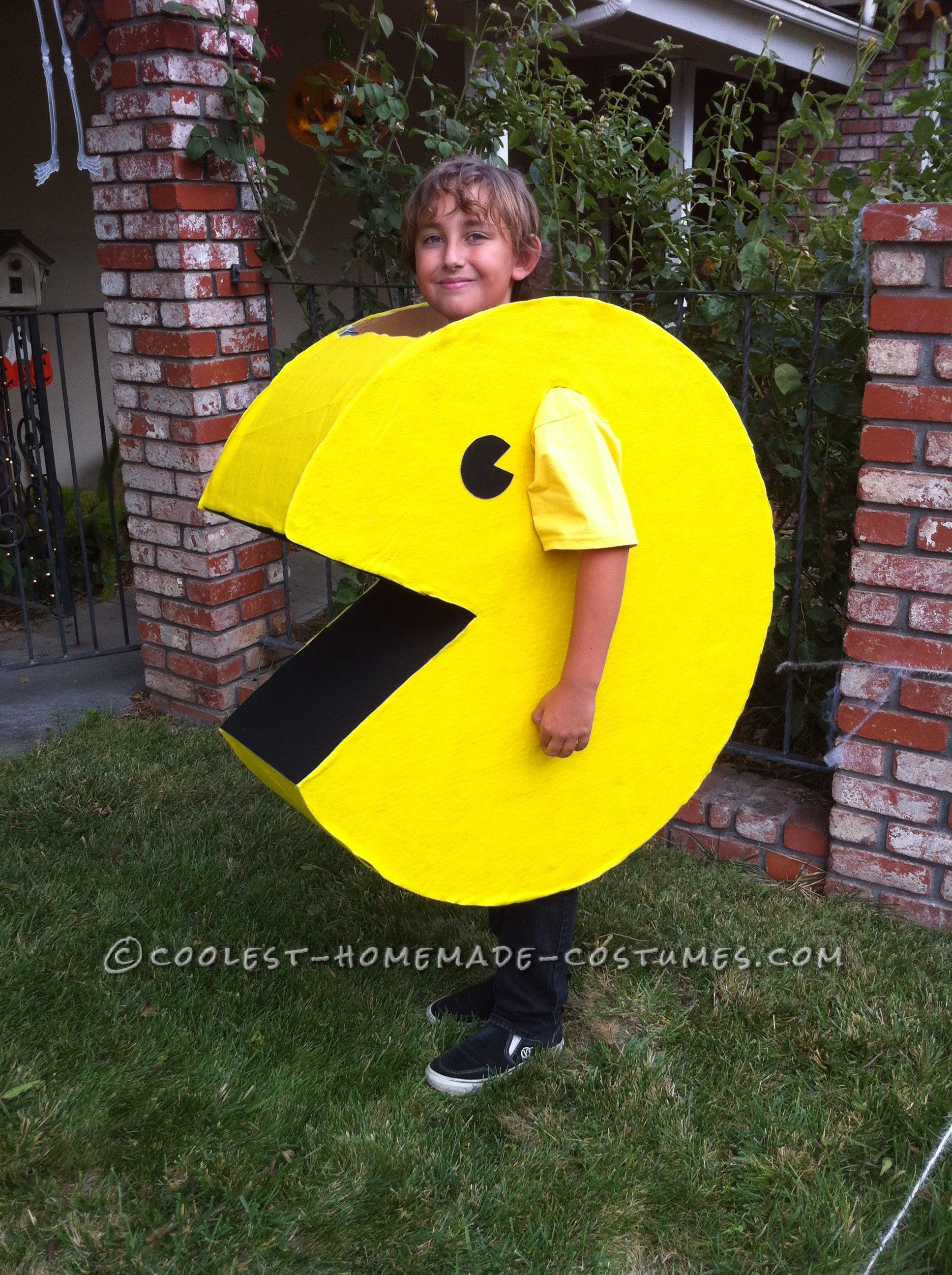 Want a fun and easy homemade costume be pac man easy for Easy homemade costume ideas for kids