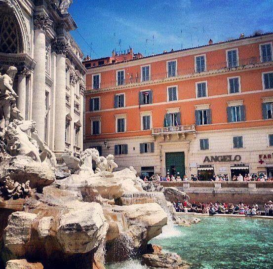 TREVI FOUNTAIN ~ LA FONTANA DI TREVI ROME, ITALY