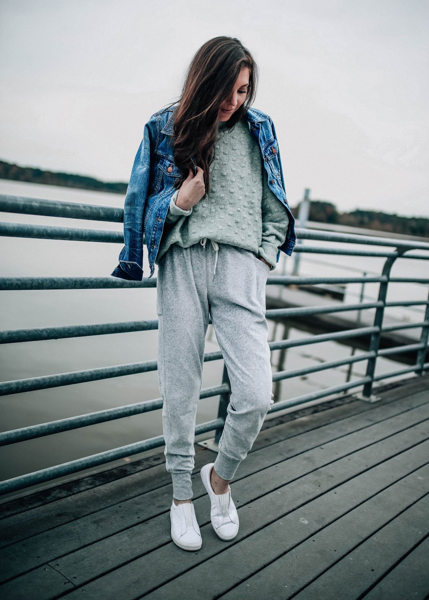 Women S Grey Joggers Zella And Textured Mint Sweater Jogger Pants Outfit Mint Pants Outfit Mint Sweater Outfit