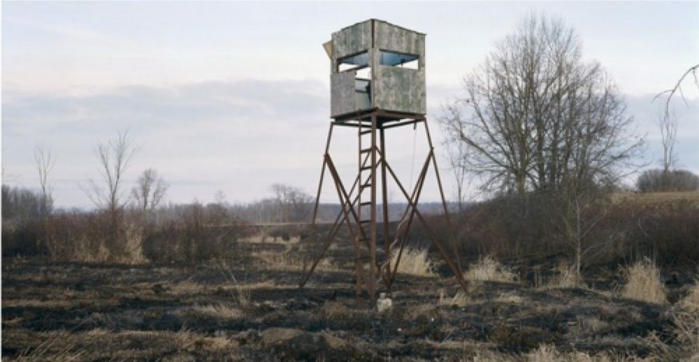 The desolate and dilapidated splendor of Wisconsin deer stands [15 pictures]
