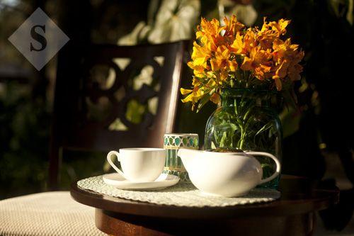 Recibe a tus invitados en tu casa con la elegancia de Hogares By Almacenes SIMAN. http://www.siman.com