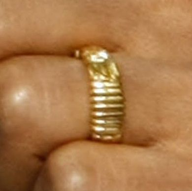 Obama S Ring There Is No God But Allah Wedding Ring Inscriptions Obama Ring Wedding Ring Finger