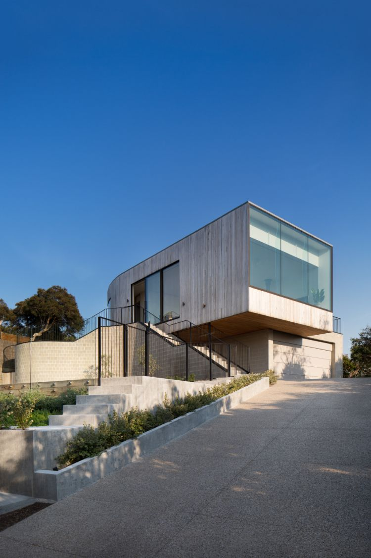 Parkside Beach House by Cera Stribley Architects is part of Modern house design - Location Sorrento, Victoria, Australia Area 300 m2 Year 2017 Architects Cera Stribley Architects Photography © Emily Bartlett Taking inspiration from the iconic Mornington bathing boxes, Parks…