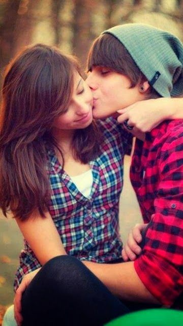 Cute Romantic Couple Kiss Romantic Love Couple Cute Love Couple Images Love Couple Images