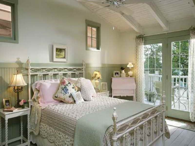 Cottage style bedrooms cottage bedroom decorating ideas for Pretty bedroom accessories