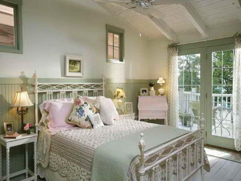 Cottage Bedroom Decorating