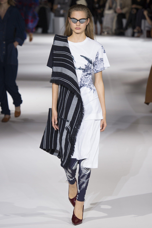 Vogue Fashion Shows Spring 2017 Ready To Wear Stella Mccartney Slideshow Collection
