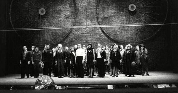 Bertolt Brecht Set D - Bertolt Brecht Set Design Bertolt the brecht curtain --- #Theaterkompass #Theater #Theatre #Schauspiel #Tanztheater #Ballett #Oper #Musiktheater #Bühnenbau #Bühnenbild #Scénographie #Bühne #Stage #Set