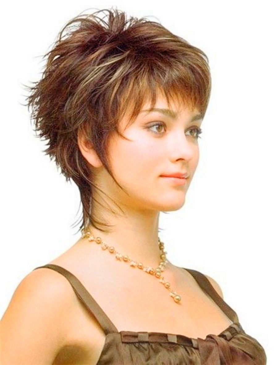 Layered Short Hairstyles For Long Faces Over 50 54