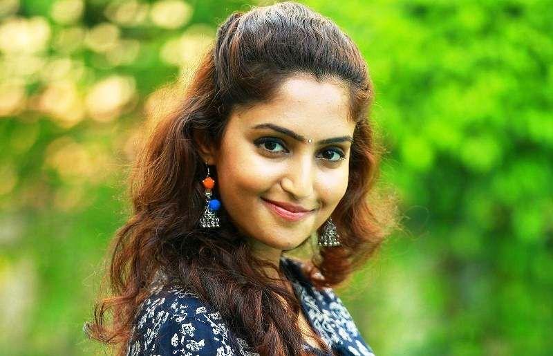 Reba Monica John South Indian Film Actress Of Jacobinte Swargarajyam And Forensic Fame In 2020 South Indian Film Indian Film Actress Actresses