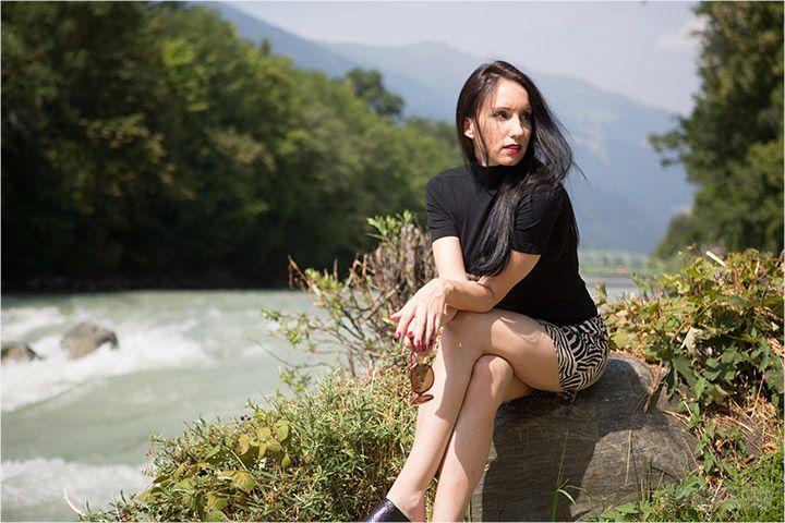 meine Frau im Minirock