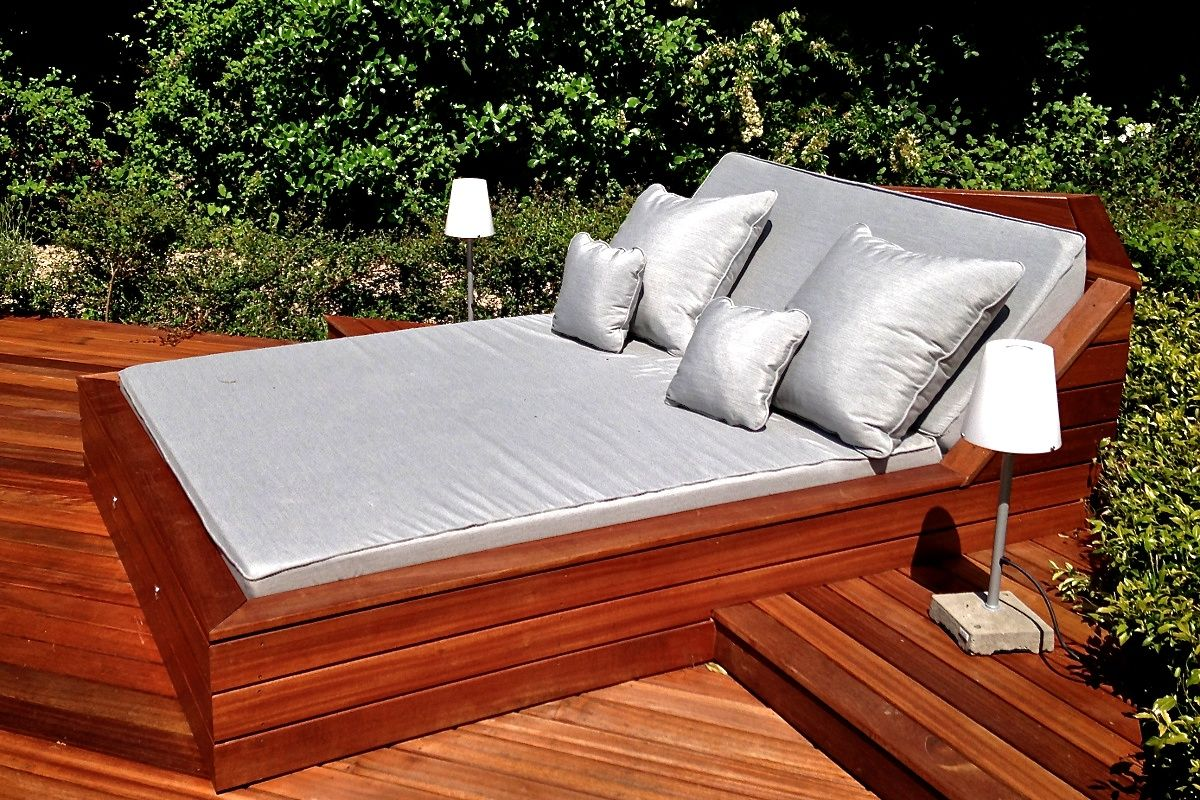 Outdoor pool beds overview deck pinterest cushions for Outdoor pool daybeds