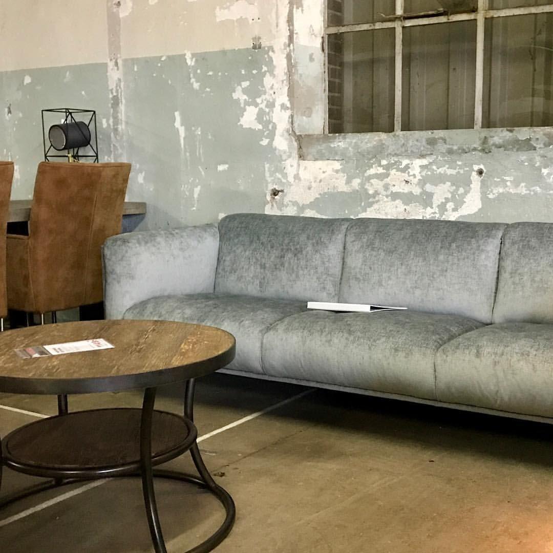 25 vind-ik-leuks, 5 reacties - Löwik Wonen&Slapen (@lowikwonenenslapen) op Instagram: 'Het magazijn heeft een nieuwe functie als showroom ivm een verbouwing. Levert mooie plaatjes op,…'