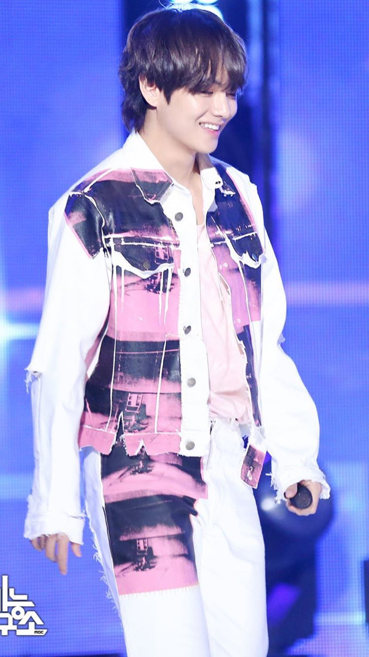 Taehyung Fake Love pink and white stripped outfit BTS V
