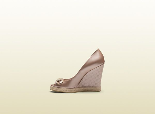 Gucci Charlotte Link Pink Patent Leather Mid-Heel Wedge 283873ARY006812 - iLUXdb.com Realtime Luxury Product Database