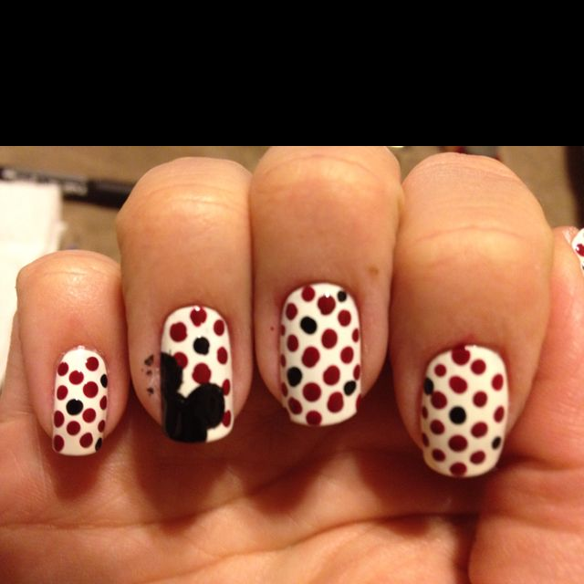 Mickey Mouse nails | Nails | Pinterest | Uñas cortas, Uña decoradas ...
