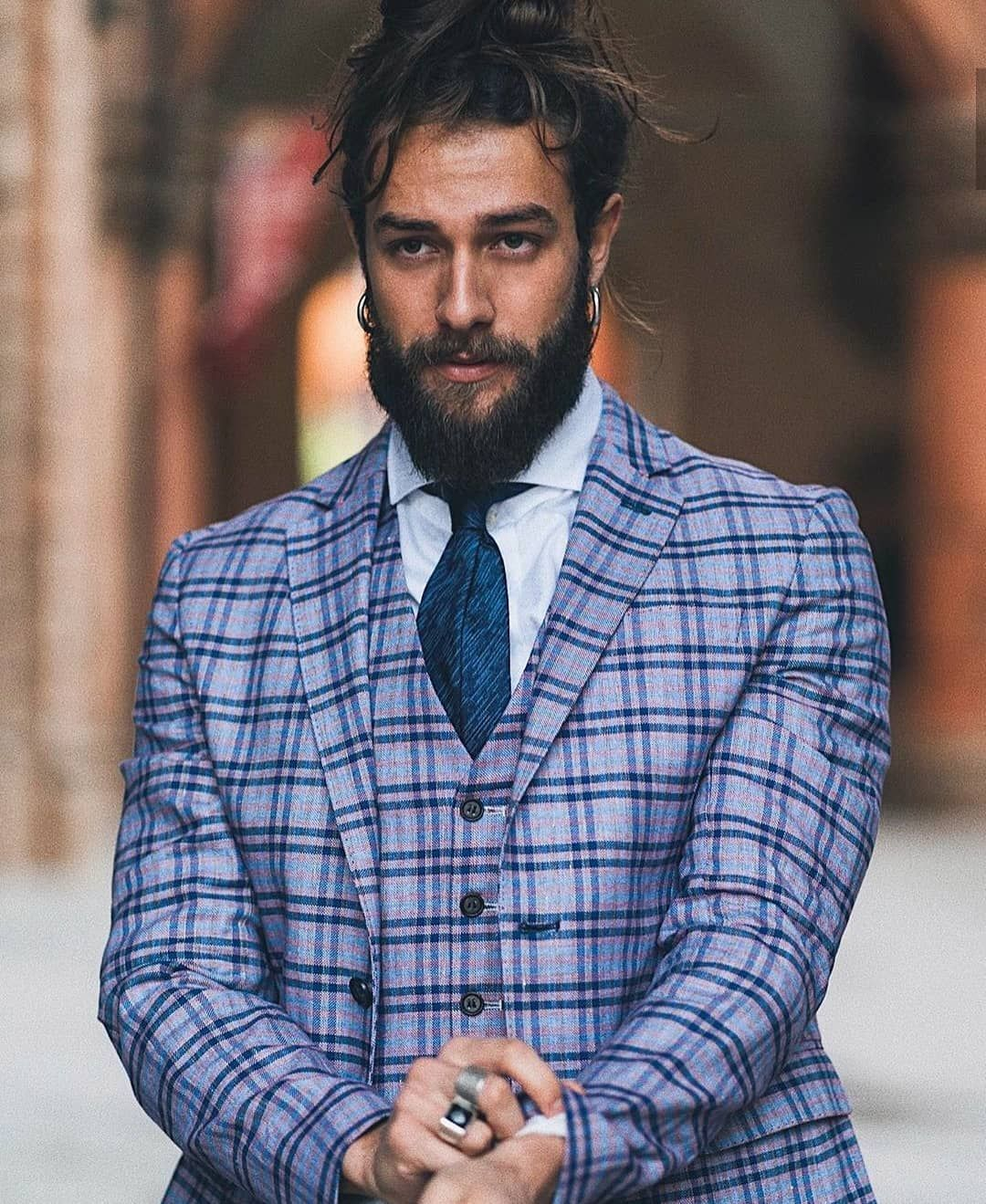 Stylish 💯  Model: @filippomelloni . . . #beard #beardmonsters #barbershop #fitness...