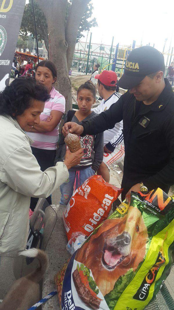 @FEdumedia : La Expo Feria de Escuelas Técnicas Robinsonianas y Zamoranas se llevó a cabo en #CiudadBolívar #EnVideo https://t.co/gsUDZTP1M3