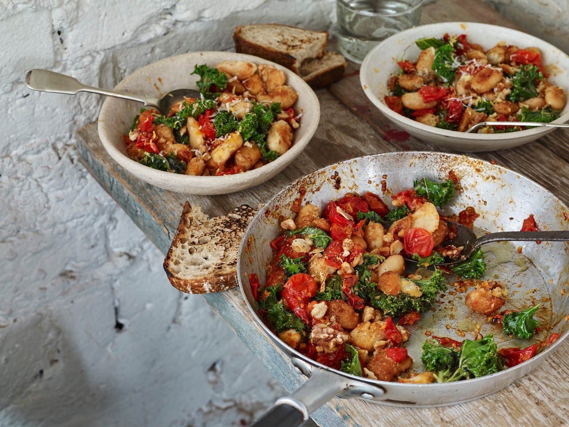 Anna Jones S Easy One Pot Suppers The Modern Cook One Pot Vegetarian Kale Food