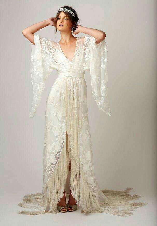 Not Saving As A Dress I Would Totally Want Something Like This For My Evening Robe The Night Of My W Fringe Wedding Dress Wedding Dresses Summer Wedding Dress