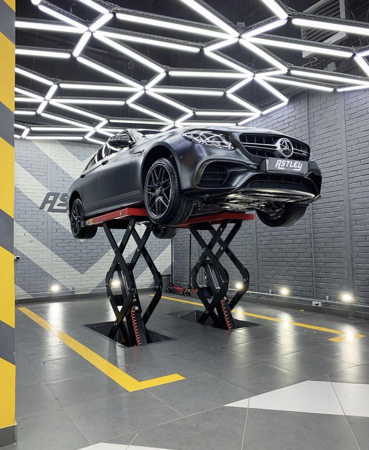 Pin By Diyautoservice Com On Studio Ideas Atl Garage Design Car Mechanics Garage Garage Furniture