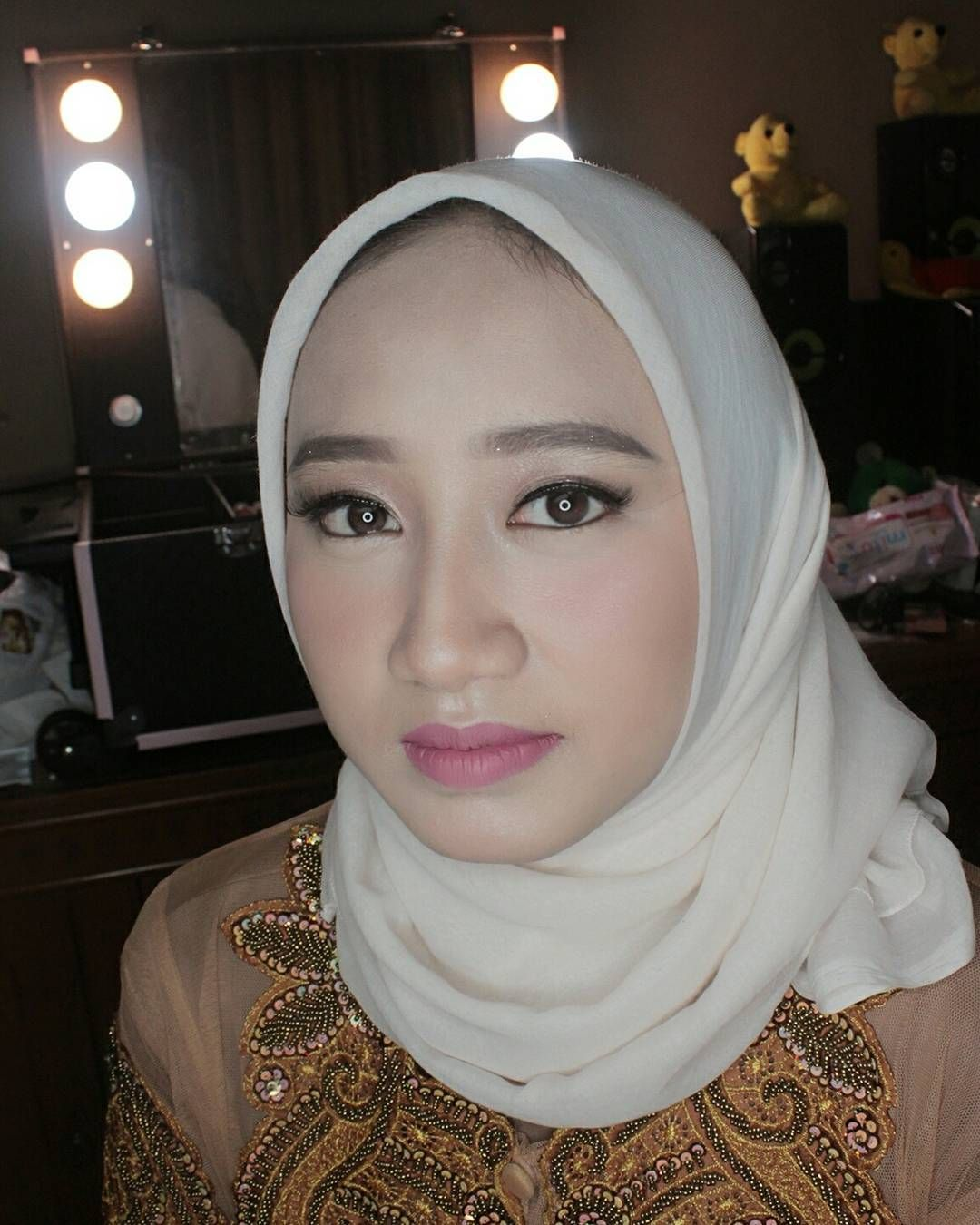 Photo of Henna & Make up for event  graduation  prewedding & Engagement  @makeupbyprillia…