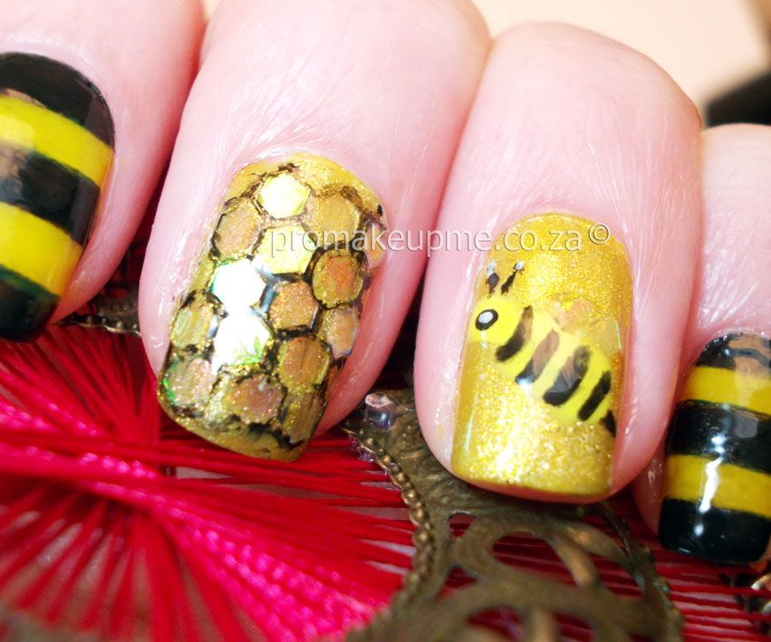 Yellow Black & Gold Honey Bee Nail Art - Yellow Black & Gold Honey Bee Nail Art Nail Art I Luv