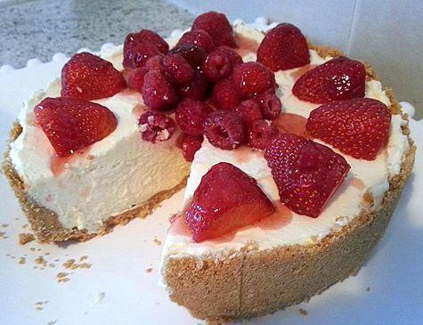 Creamy Vanilla Cheesecake…recipe by Pic Nic