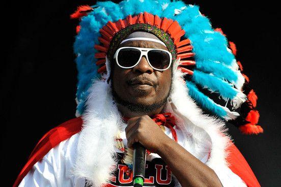 Afrika Bambaataa, DJ, MC e pioneiro do hip hop