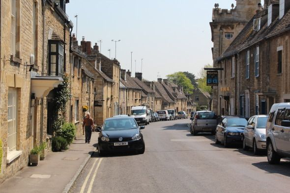 Sunday Photo: A Lovely Photo of the Bustling Town of Burford in the Oxfordshire Cotswolds